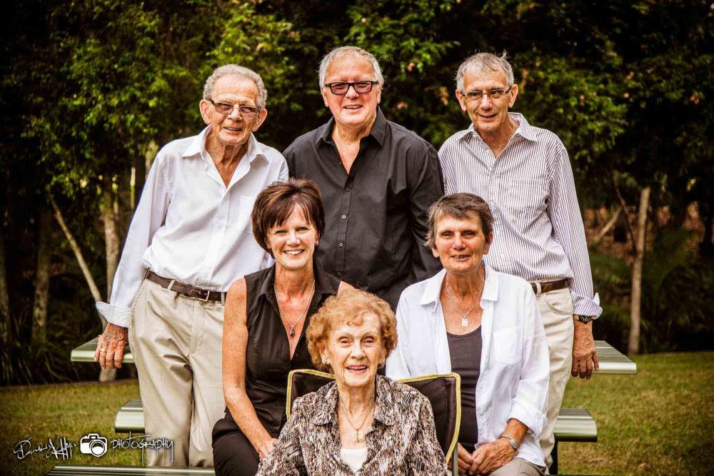 Family Reunion Garden Portraits Centenary Lakes, Centenary Lakes Photographer, Caboolture, Centenary Lakes, Family Portrait, Family Portraits, Testimonials