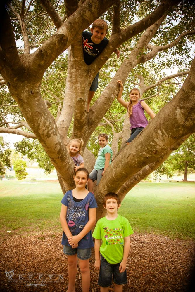 Natalie Wayne Family Portrait Photography Caboolture, Family Portrait, Garden Portraits, Kids Portraits, Moreton Bay, Queensland, Sunshine Coast